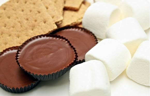 Do You Love S'mores!? Here Are Some Fun & Unique S'more Ideas!
