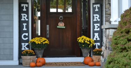 fall front porch home decor