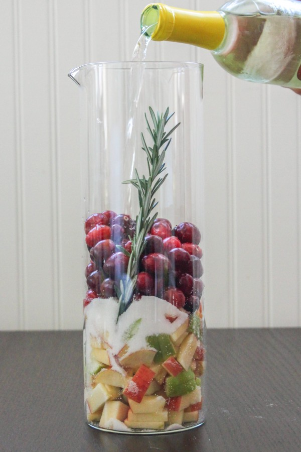 Cranberry-Fruit-Sangria-600x900